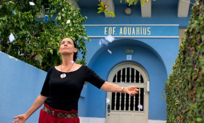 """Críticas  Crítica de """"Aquarius"""" 95302dd63cf"""